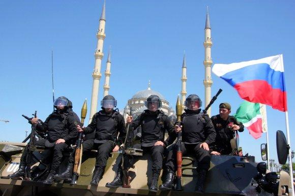 """AFP/""""Scanpix"""" nuotr./Čečėnų specialiosios pajėgos"""