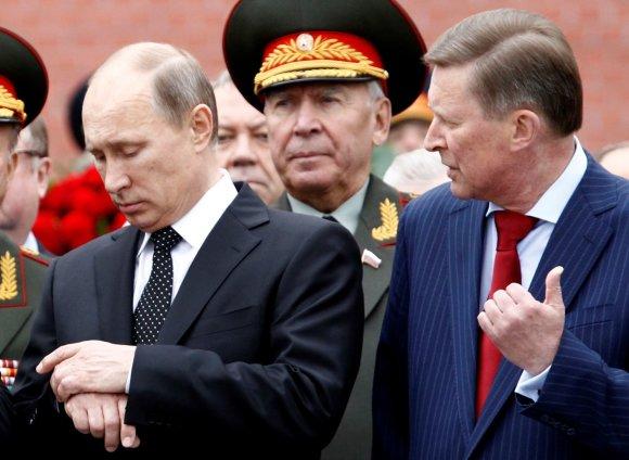 """""""Reuters""""/""""Scanpix"""" nuotr./Vladimiras Putinas ir Sergejus Ivanovas"""