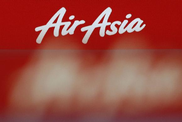 """Reuters""/""Scanpix"" nuotr./""AirAsia"" logotipas"