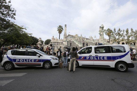 """""""Scanpix""""/AP nuotr./Teroro išpuolis prie Marselio traukinių stoties"""