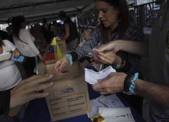 """""""Scanpix""""/AP nuotr./Venesueloje įvyko neoficialus referendumas"""