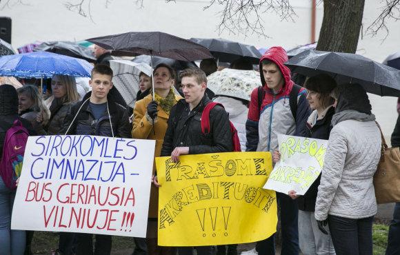Luko Balandžio/15min.lt nuotr./V.Sirokomlės mokyklos bendruomenės akcija