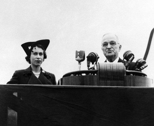 """Scanpix""/""PA Wire""/""Press Association Images"" nuotr./Harry Trumanas su karaliene Elizabeth II"