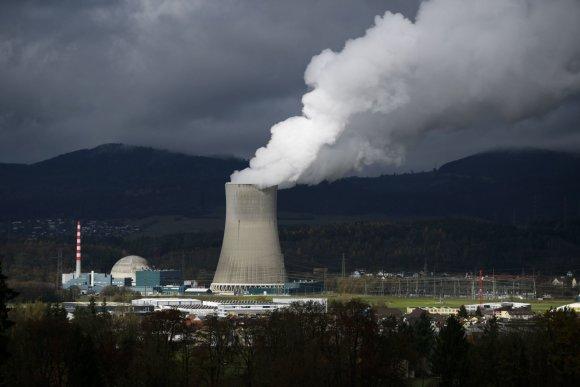 """AFP/""""Scanpix"""" nuotr./Ar atsisakyti branduolinės energijos?."""