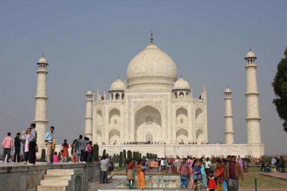 123rf.com /Lankomiausi objektai, tokie kaip Tadž Mahalas, paprastai pilni turistų
