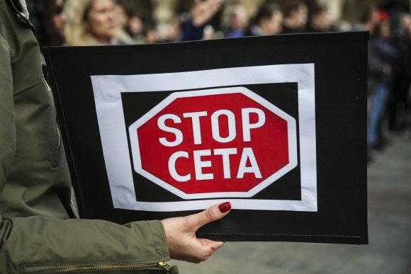 """""""Scanpix""""/""""Sipa USA"""" nuotr./Protestas prieš CETA Lenkijoje"""