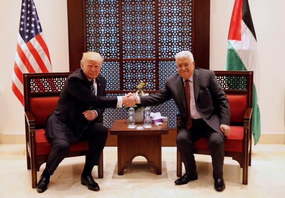 X90178/Donaldas Trumpas ir Mahmoudas Abbasas