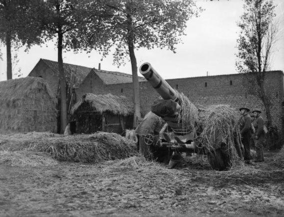 Britanijos Imperijos karo muziejaus/Wikipedia.org nuotr./Britanijos ekspedicinių pajėgų haubica Vokietijos pasienyje (1939 m. spalis)
