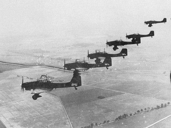 """Wikipedia.org nuotr./Vokietijos """"Junkers Ju 87"""" virš Lenkijos 1939-aisiais"""
