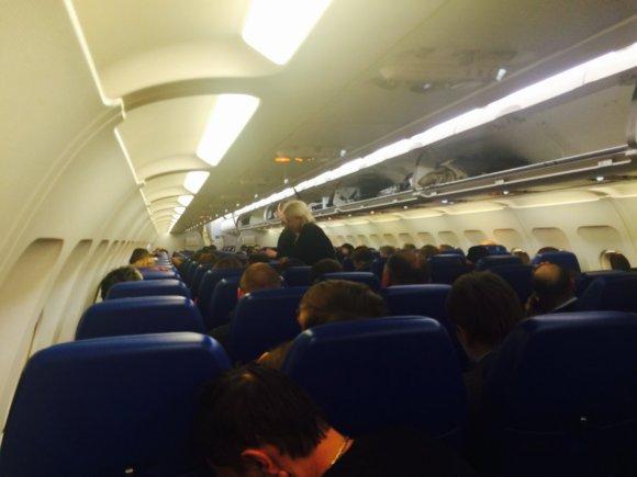 Keleiviai įkalinti lėktuve Maskva-Vilnius (Cicinio nuotr.)