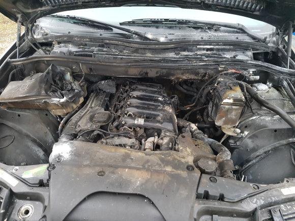 Skaitytojo Artūro nuotr./Taip BMW X5 atrodė po gaisro