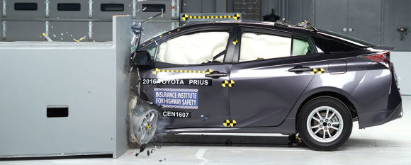 "IIHS nuotr./""Toyota Prius"" testas"