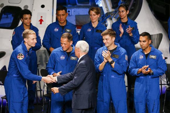 """""""Scanpix""""/AP nuotr./12 naujų NASA astronautų"""