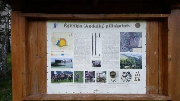 Žilvino Pekarsko / 15min nuotr./Ėgliškių (Andulių) piliakalnis ir jo apylinkės, niokojamos keturračių