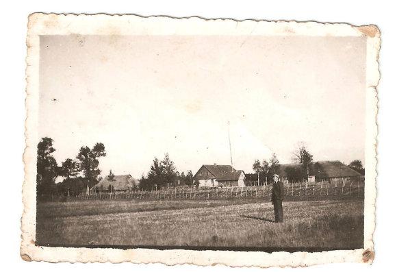 Kontrimų šeimos archyvo ir Skuodo muziejaus fondų nuotr./Knėžų kaimas. Kontrimų sodyba