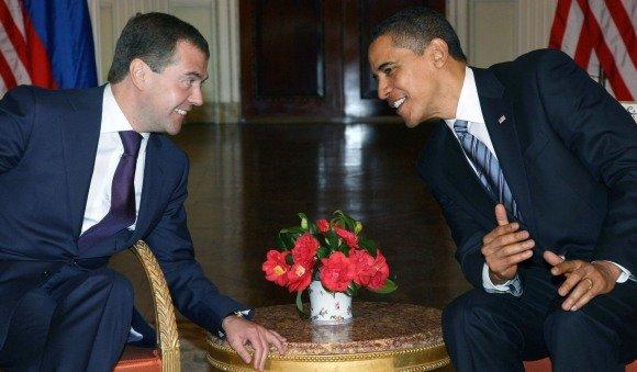 "AFP/""Scanpix"" nuotr./Dmitrijus Medvedevas ir Barackas Obama"