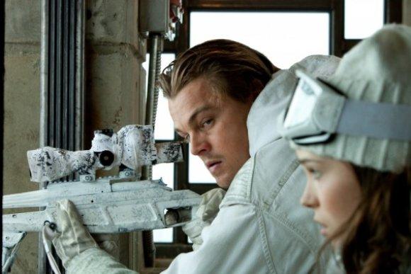 """Kadras iš filmo  /Kino juostoje """"Pradžia"""" pagrindinį vaidmenį sukūrė Leonardo Di Caprio"""