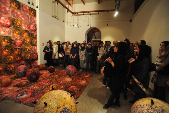 Asmeninio albumo nuotr./Bronės Sofijos Gideikaitės parodos atidarymą Teherane