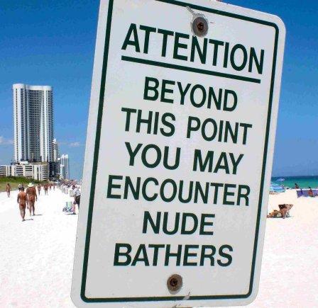 Hauloverio paplūdimyje apie nuogalius įspėja ženklai