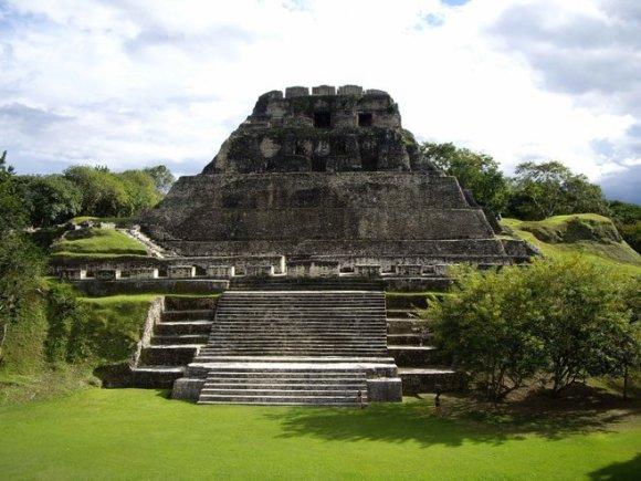 Majų piramidės Belize