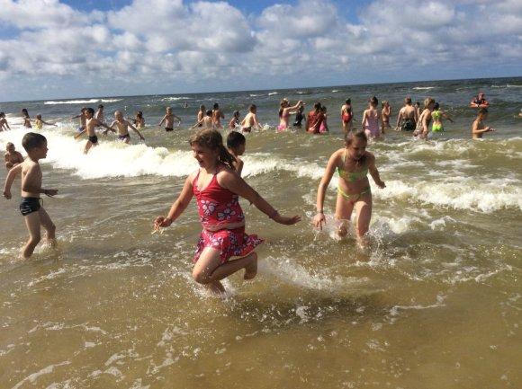 J.Vanagės nuotr./550 vaikų šeštadienį pirmą kartą išvydo Baltijos jūrą.