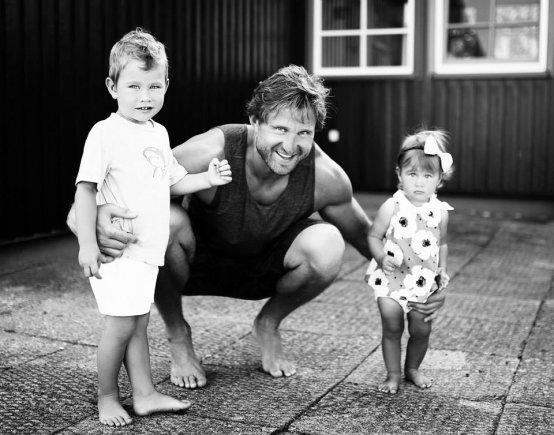 Simonos Banytės nuotr./Arvydas Macijauskas su vaikais Laurynu ir Gabriele