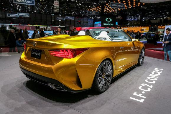 """Juliaus Kalinsko/15min.lt nuotr./""""Lexus LF-C2"""" konceptas"""