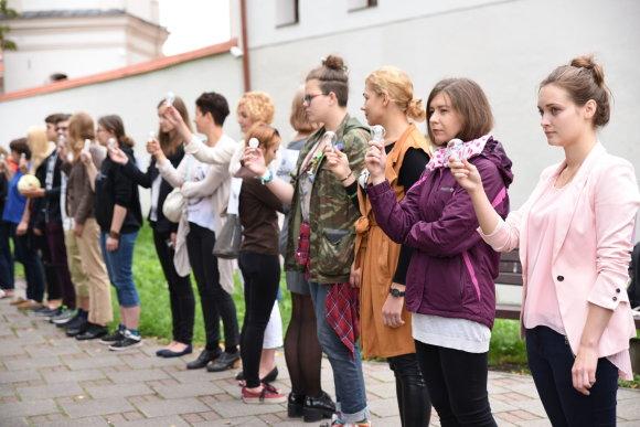 Šarūnės Janušonytės/15min.lt nuotr./Protesto akcija prie Švietimo ir mokslo ministerijos