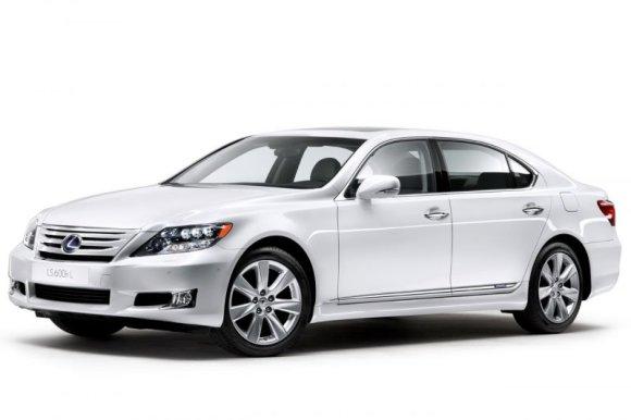 """Gamintojo nuotr./""""Lexus LS"""" – 2010 m. atnaujinta versija"""