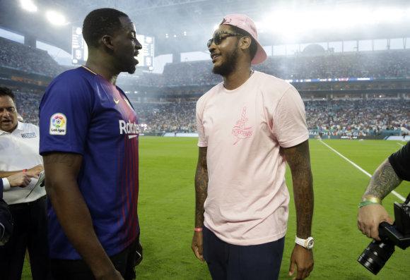 """Scanpix"" nuotr./Draymondas Greenas ir Carmelo Anthony ""Real"" – ""Barcelona"" rungtynėse"