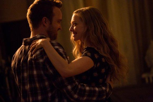 """""""ACME Film"""" nuotr./Aaronas Paulas ir Amanda Seyfried filme """"Išmokyk mane mylėti"""""""