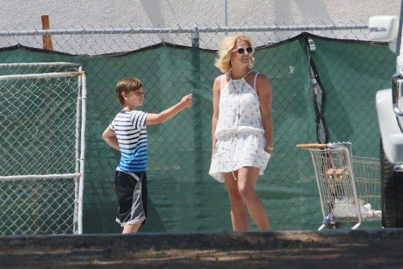 """""""Scanpix""""/""""Mavrixonline.com"""" nuotr./Britney Spears su sūnumi Jaydenu Jamesu"""