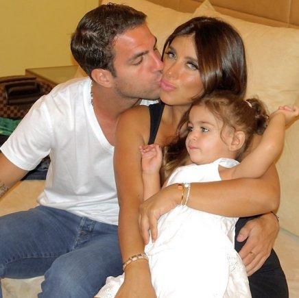"""""""Instagram"""" nuotr./Cescas Fabregasas ir Daniella Semaan su dukra Lia"""