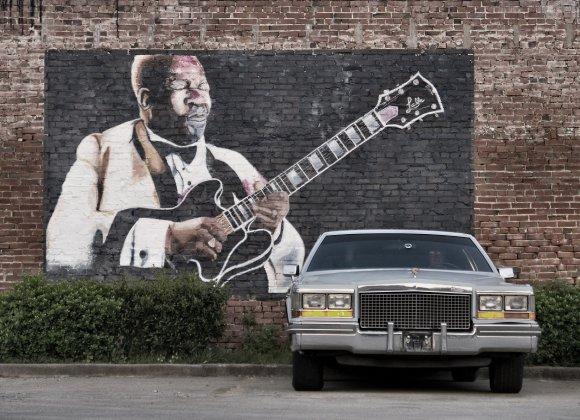 Vida Press nuotr./Grafitis su B.B.Kingu Misisipėje