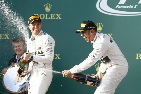 """""""Scanpix""""/""""SIPA"""" nuotr./Lewisas Hamiltonas (dešinėje)"""