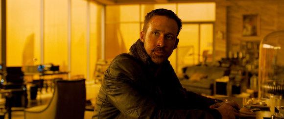 """Kadras iš filmo/Ryanas Goslingas filme """"Bėgantis skustuvo ašmenimis 2049"""""""