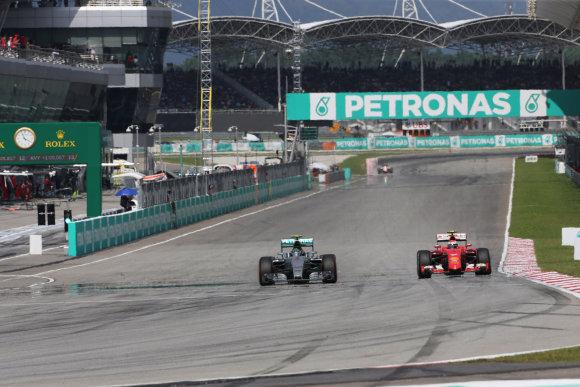 """""""Scanpix"""" nuotr./""""Formulės-1"""" lenktynės Malaizijoje"""