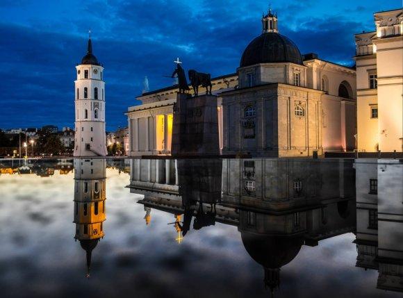 Gabrieliaus Khiterer nuotr./Vilniaus Katedros aikštės nuotraukų montažas