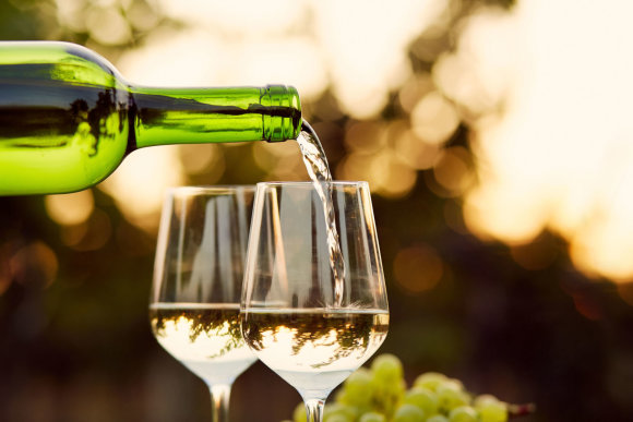 123RF.com nuotr./Baltasis vynas