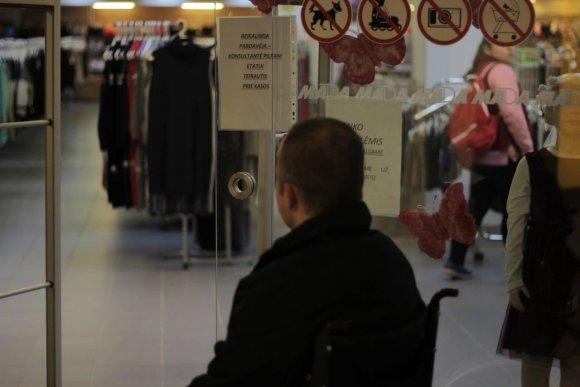 Asmeninio archyvo nuotr./Eksperimento dalyvis M.Jodogalvis prieš darbo pokalbį drabužių parduotuvėje