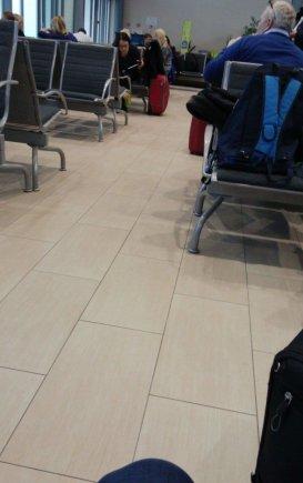 Skaitytojo nuotr./Dėl tiršto rūko skrydis iš Palangos į Oslą atidėtas kone parai