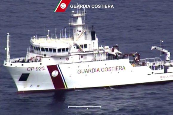"""AFP/""""Scanpix"""" nuotr./Italijos gelbėtojų laivas"""
