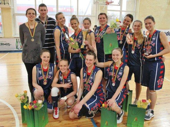 Su Jonavos merginų krepšinio komanda