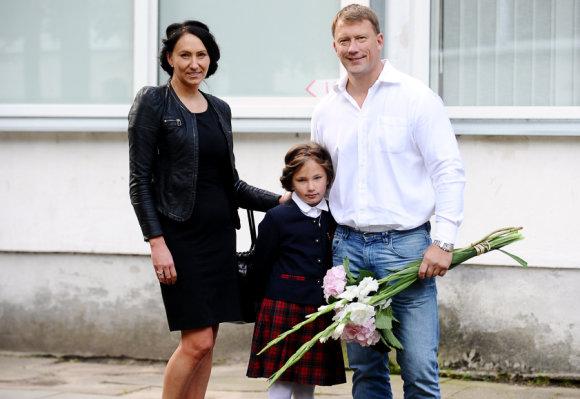 Luko Balandžio/Žmonės.lt nuotr./Alvydas Duonėla su žmona Dalia ir dukra Lukrecija