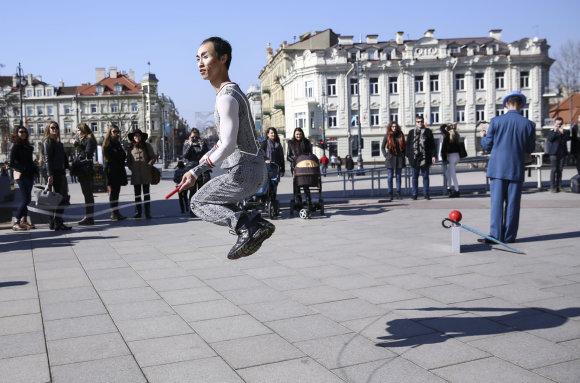 """Luko Balandžio/15min.lt nuotr./""""Cirque du Soleil"""" atvyko į Vilnių"""
