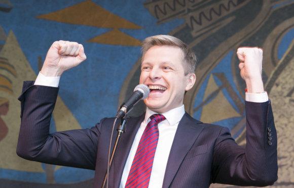 """Luko Balandžio/Žmonės.lt nuotr./R.Šimašius ir liberalai rinkimų laukia """"Neringos"""" restorane"""