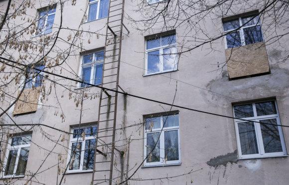 Luko Balandžio/15min.lt nuotr./Vienuolio g. 6 balkonai