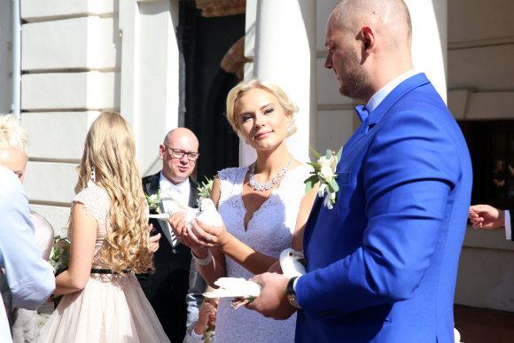Teodoro Biliūno/Žmonės.lt nuotr./Enriko Daktaro ir Kamilės Doveikaitės vestuvės