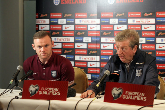 V.Januškos/LFF.lt/Wayne'as Rooney ir Roy Hodgsonas