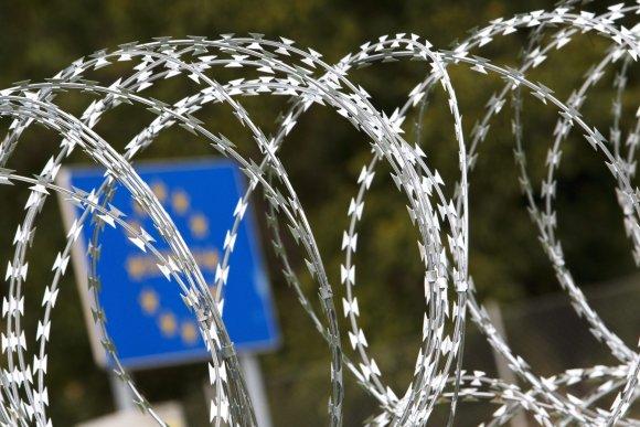 """Scanpix""/AP nuotr./Vengrijos statoma siena"